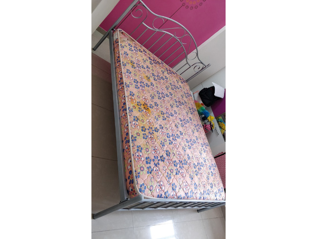 Selling Queen size Metal Bed and Mattress - 1/4