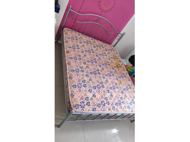 Selling Queen size Metal Bed and Mattress - 4/4