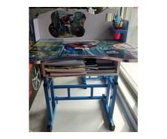 Study table and chair aa good as new - Image 1/2