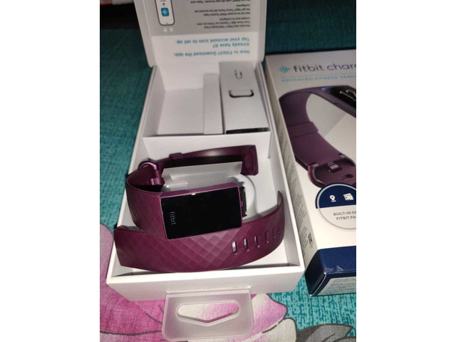 Headphone and Fitbit charger - 6/6