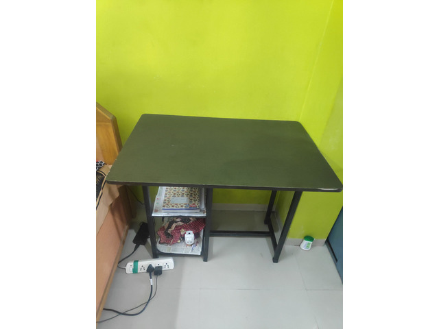 Large Almirah, Study Table and Single Bed - 3/3