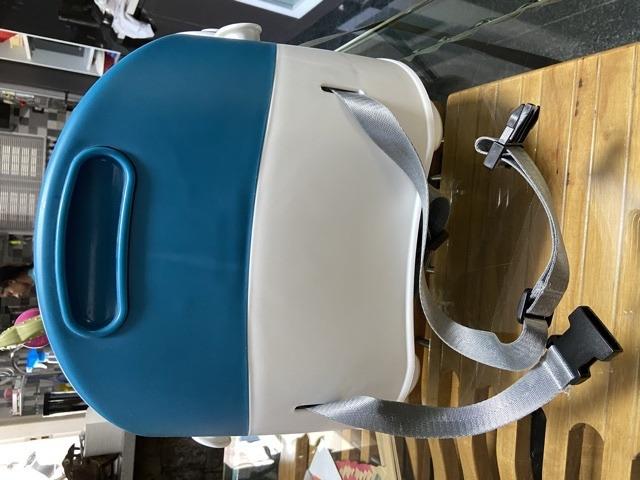 Baby booster/ feeding chair - 2/4