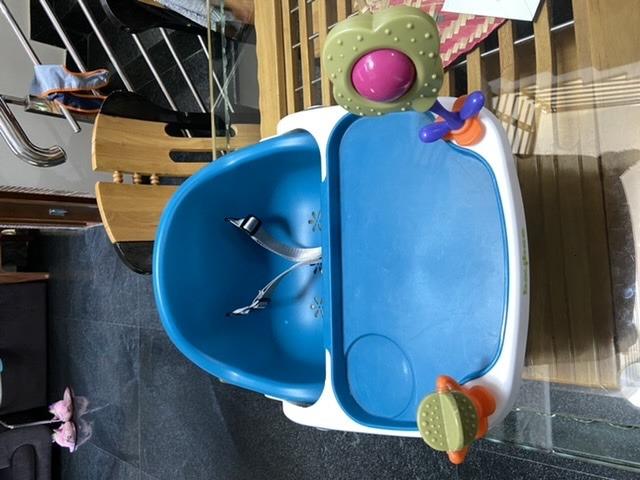 Baby booster/ feeding chair - 3/4