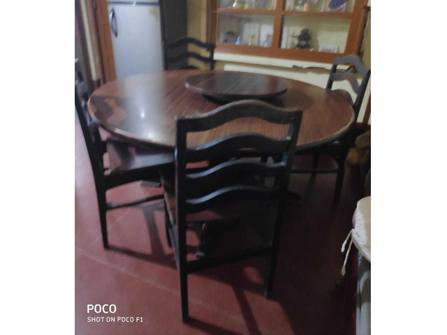 DINING TABLE WITH 4 Chairs Wooden - 1/1