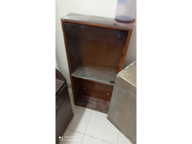 assorted Household furnitures_  items - 6/10