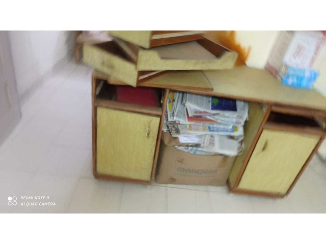 assorted Household furnitures_  items - 10/10