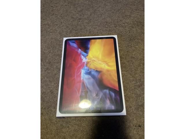 BRAND NEW Apple iPad Pro 2020, 128GB, Wi-Fi, 11 in - Space Gray - 1/2