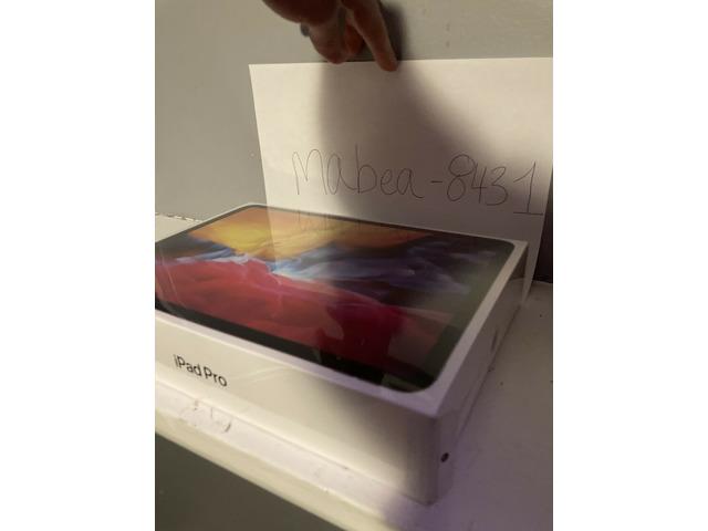 BRAND NEW Apple iPad Pro 2020, 128GB, Wi-Fi, 11 in - Space Gray - 2/2