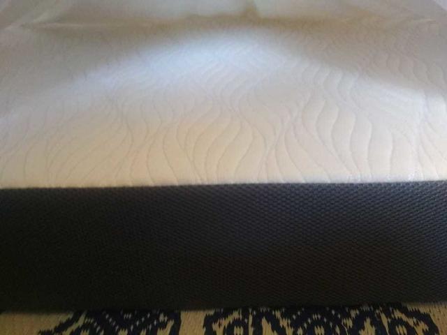 Zone 8 Ortho Memory Foam Zonal mattress - 4 months old - 1/3