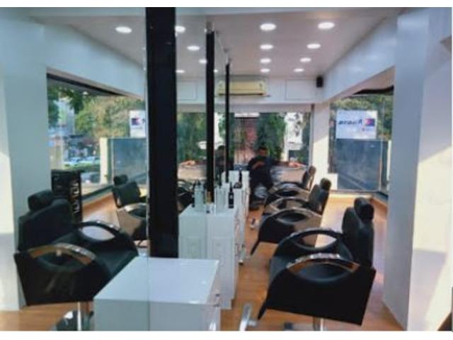 LooksMatter Unisex Salon - 10/10
