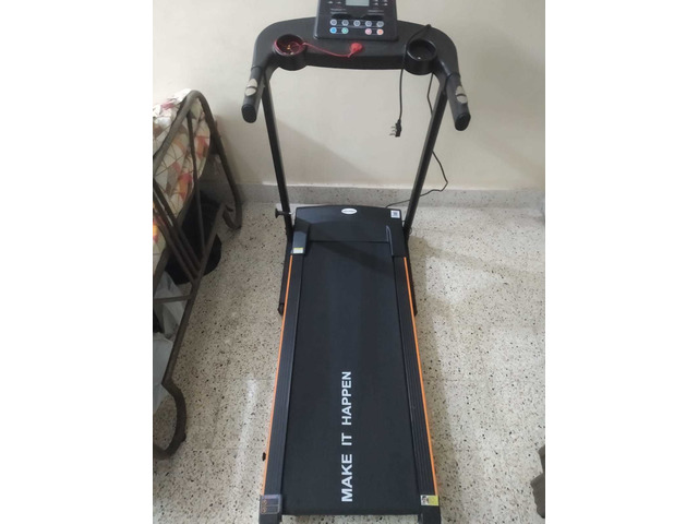 Maxpro Motorised Treadmill (Barely used for 1.5 months) - 2/3