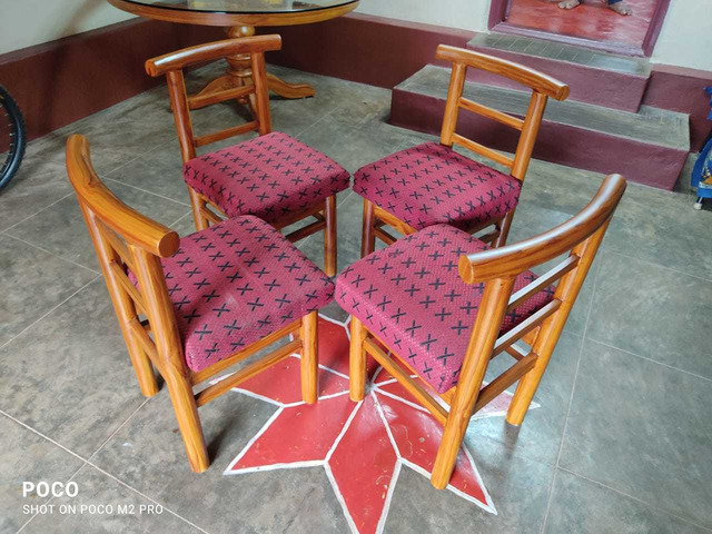 glasstop table with chair - 1/3
