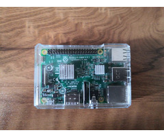 Raspberry Pi 3 Model B, with clear case, heatsink and 2.5 A adapter - Image 3/5