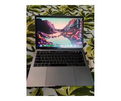 Macbook Pro 13' 2019 - Image 2/10