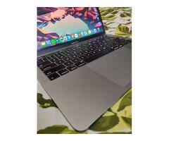 Macbook Pro 13' 2019 - Image 4/10