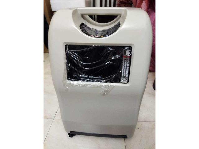Unused oxygen concentrator - 7/10