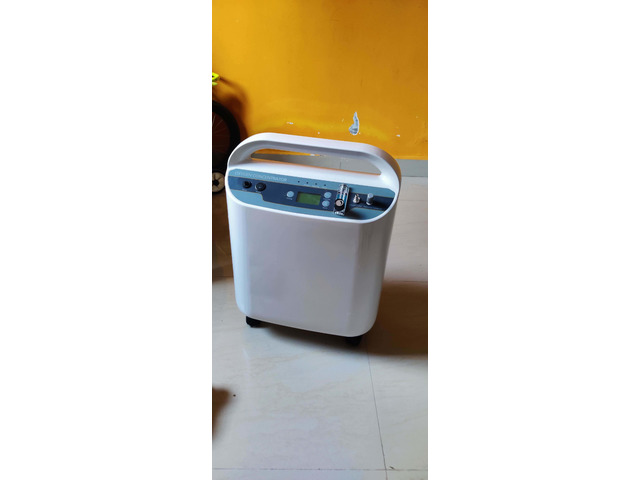 Oxygen Concentrator 5 ltrs/min with nebulizer in unused condition - 1/2