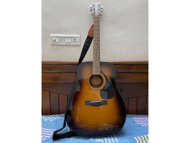 Yamaha F310 Guitar - 1/2