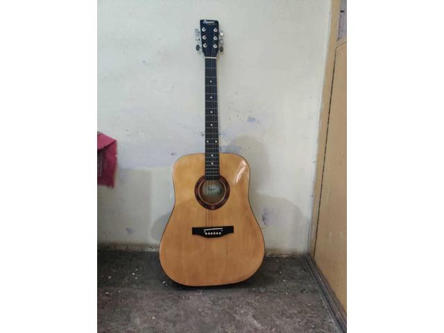 Squier by fender guitar - 6/10