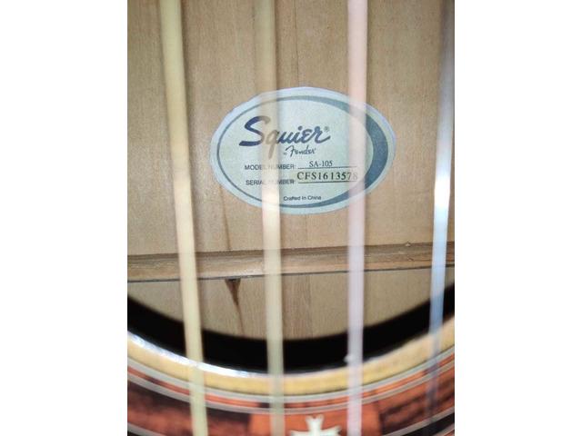 Squier by fender guitar - 8/10