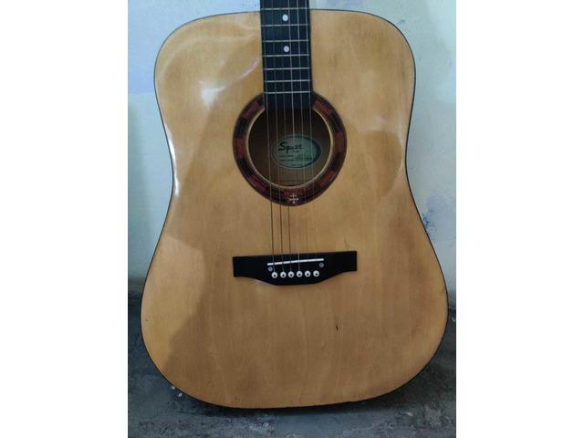 Squier by fender guitar - 9/10
