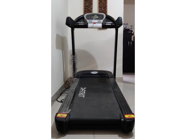 Treadmill Excellent Condition - 5/6